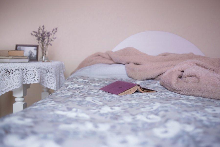 łóżko seniora